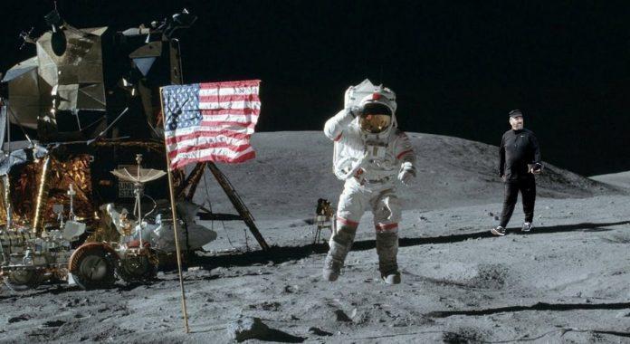 אהוד ברק על הירח